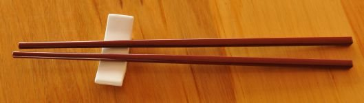 Thumb_White rest  with Maroon Chop Sticks