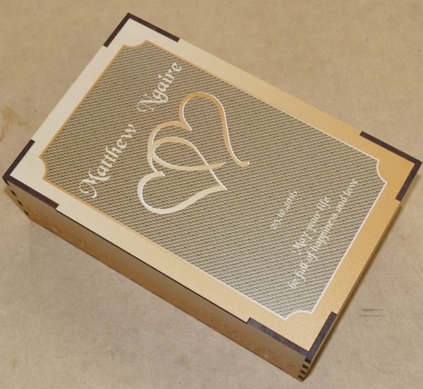 Thumb_Pair engraved flutes in box Gold shading example with hearts