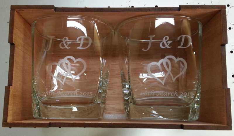 Thumb_Pair whisky glasses in wooden box