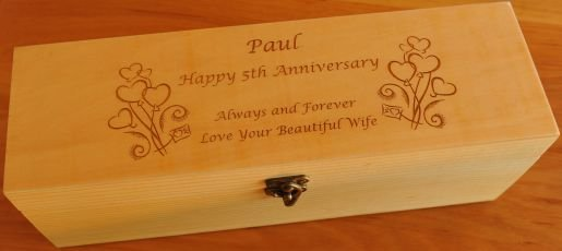 Thumb_Pine wine bottle box engraved with bunch hearts and text for anniversay