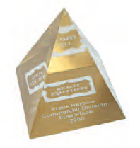 Pyramid - Gold Base - Medium 87x87x106 mm