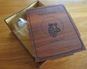 Wine glass pair engraved in red gum box