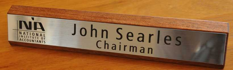 Thumb_Blackwood desk name plate silver with black engraving